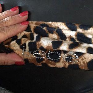 New bebe Twist Leopard Headband w Crystals